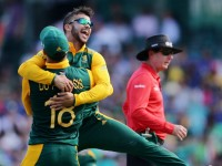 South Africa beats Sri Lanka to Qualify for the Semis
